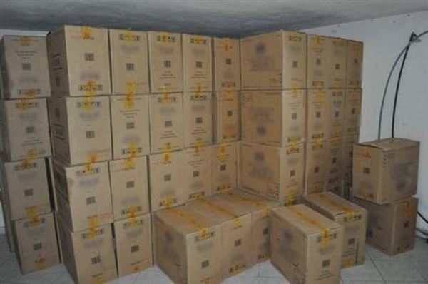 Εξαρθρώθηκε σπείρα που διακινούσε εκατοντάδες χιλιάδες πακέτα τσιγάρων