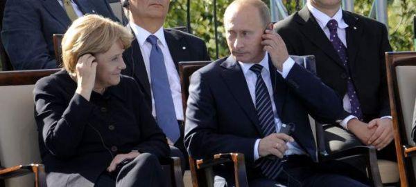 Η Μέρκελ απέρριψε πρόσκληρη του Πούτιν