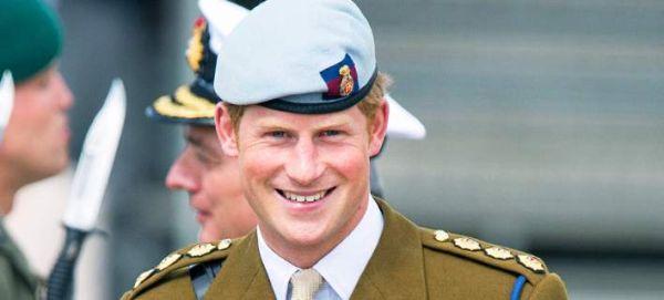 O πρίγκιπας Χάρι εγκαταλείπει τις ένοπλες δυνάμεις