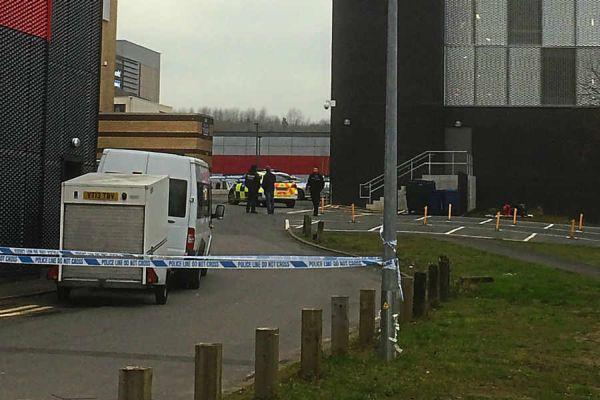 Μ. Βρετανία: Πλήθος ενθάρρυνε άνδρα να αυτοκτονήσει