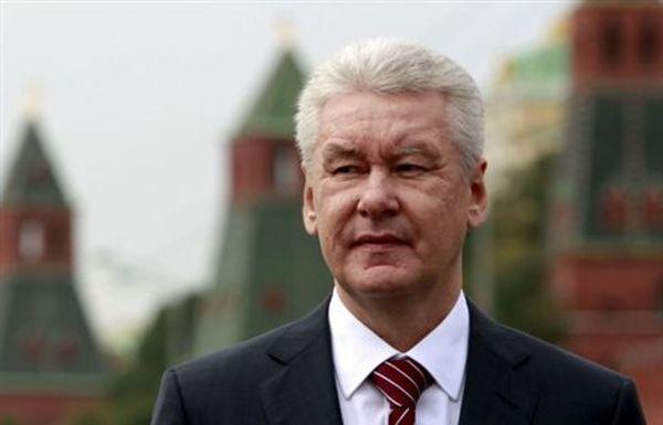 Ο δήμος της Μόσχας απολύει το ένα τρίτο των υπαλλήλων του