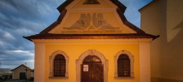 Η εκκλησία που δεν έχει εικόνες, αλλά κόκαλα και κρανία 3.000 ανθρώπων [εικόνες]