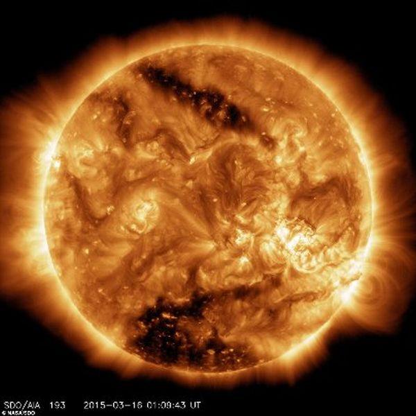 Τεράστιες κηλίδες στο 10% της επιφάνειας του Ήλιου