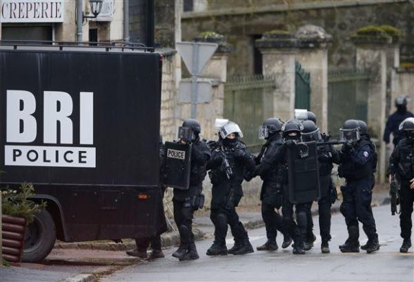 Γαλλία: Προωθείται νόμος για τη θεσμοθέτηση της κατασκοπείας