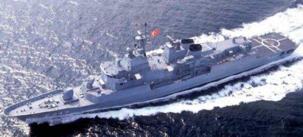 Tουρκικό πολεμικό πλοίο στα ελληνικά χωρικά ύδατα για τρεις ώρες