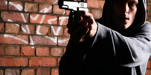 Δύο ληστείες στο Βόλο ~ Ένας συνελήφθη, άλλοι τέσσερις αναζητούνται