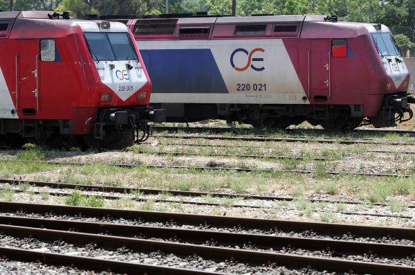Αντικατάσταση τρένων και ολοκλήρωση ηλεκτροκίνησης ζητούν οι βουλευτές του ΣΥΡΙΖΑ