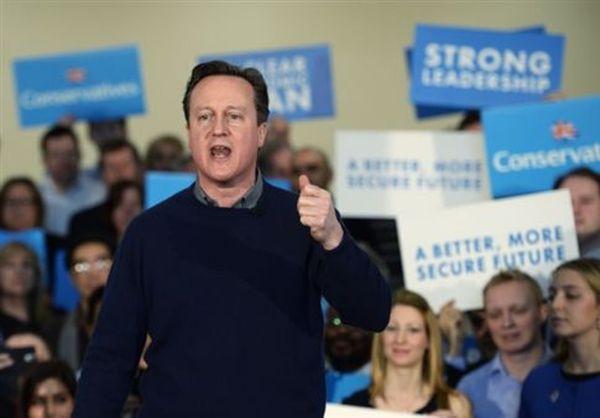 Βρετανικές εκλογές: Το πρωί προηγείται ο Μίλιμπαντ, το βράδυ ο Κάμερον