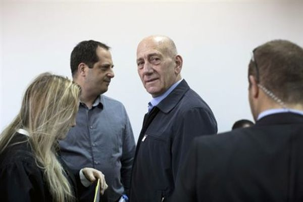Για διαφθορά καταδικάστηκε ο ισραηλινός πρώην πρωθυπουργός Εχούντ Ολμέρτ