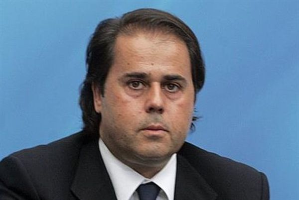 La Stampa: Ο Παπασταύρου ήταν στο ελληνικό σκέλος της λίστας Φαλσιανί