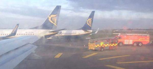 Συγκρούστηκαν δύο αεροπλάνα στο αεροδρόμιο του Δουβλίνου [εικόνες]