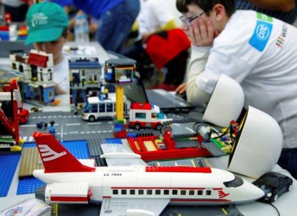 Εργοστάσιο ανακύκλωσης χαρίζει βραβείο ρομποτικής σε μαθητές δημοτικού