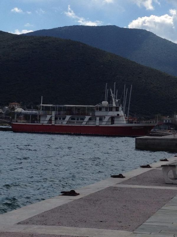 Παροπλισμένο πλοίο επί μία τριετία στο αλιευτικό καταφύγιο Αχιλλείου