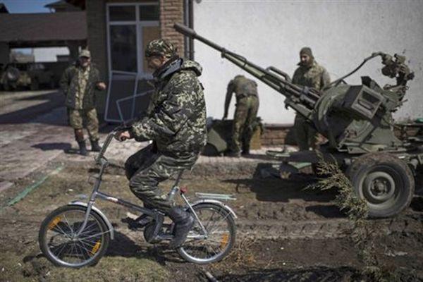 Η Mόσχα βλέπει αποκλιμάκωση των εχθροπραξιών στην ανατολική Ουκρανία