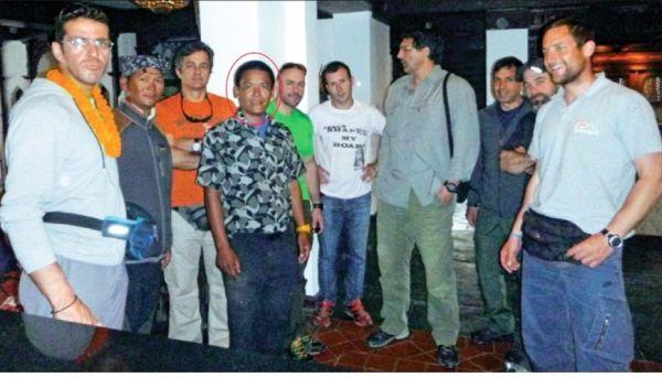 Βολιώτες εγκλωβισμένοι στο μακρινό Κατμαντού
