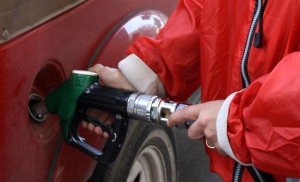 Συνεχείς αυξήσεις στη βενζίνη ~ Πάνω από 1,50 ευρώ το λίτρο η αμόλυβδη
