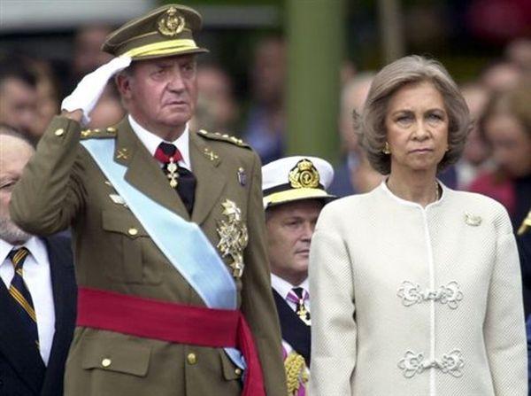 Δέκα χρόνια «διπλή ζωή»: Ο παράνομος έρωτας του βασιλιά Χουάν Κάρλος
