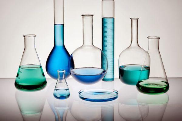Διαβάστε στο taxydromos.gr τις λύσεις των θεμάτων της χημείας (Σάββατο 25 Απριλίου)
