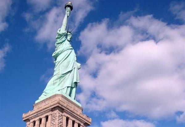 Εκκενώθηκε, λόγω ύποπτου δέματος, το νησί του Αγάλματος της Ελευθερίας