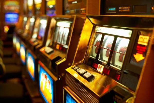 Λας Βέγκας ο Βόλος ~ Με 500 παιγνιομηχανές σε 21 μικρά καζίνο
