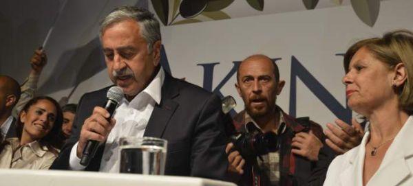 Κύπρος: Εντός της εβδομάδας η πρώτη συνάντηση Αναστασιάδη-Ακιντζί