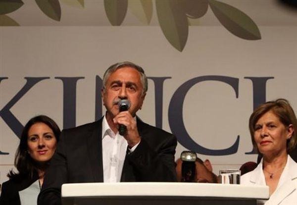 Ο Ερντογάν μαλώνει τον Ακιντζί και υπενθυμίζει ποιος είναι το «αφεντικό»