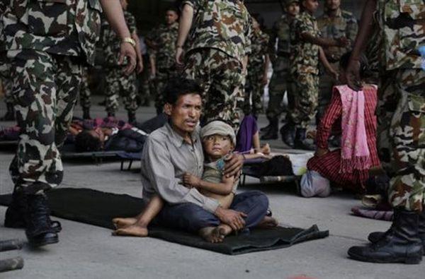 Η έκταση του εφιάλτη στο Νεπάλ αποκαλύπτεται, πάνω από 4.300 οι νεκροί