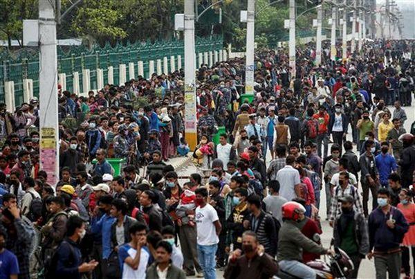 Μάχη επιβίωσης στο Κατμαντού, «καλύτερα να φύγω, παρά να φοβάμαι»