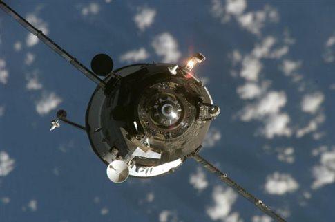 Συναγερμός από ανεξέλεγκτη πτώση στη Γη μη επανδρωμένου ρωσικού διαστημοπλοίου
