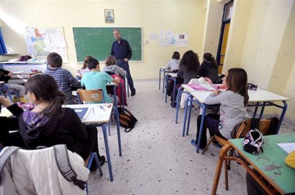 Με κινητοποιήσεις απειλεί η ΔΟΕ μετά τον «εμπαιγμό» απ΄το υπουργείο Παιδείας
