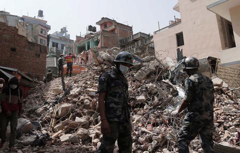 Νεπάλ: Πάνω από 1.000 Ευρωπαίοι αγνοούνται μετά τον σεισμό