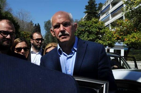 O Γιώργος Παπανδρέου τάσσεται υπέρ δημοψηφίσματος