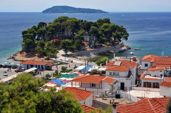 Δυναμική παρουσία της Σκιάθου στην Κύπρο
