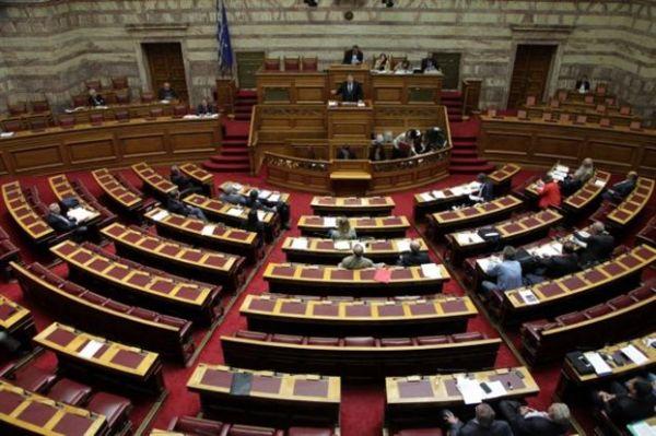 Ξανθός: Τροπολογίες για προσλήψεις και χρηματικές αποζημιώσεις