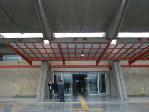 """Αεροδρόμιο Αγχιάλου: """"Φτάνουν τα λόγια, χρειάζονται έργα"""""""