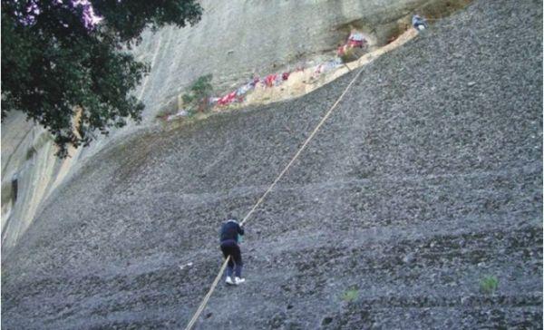Πτώση αναρριχητή από βράχο στα Μετέωρα