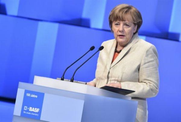 Μέρκελ: «Ναι» στην ευρωπαϊκή αλληλεγγύη, αλλά βοήθεια υπό όρους
