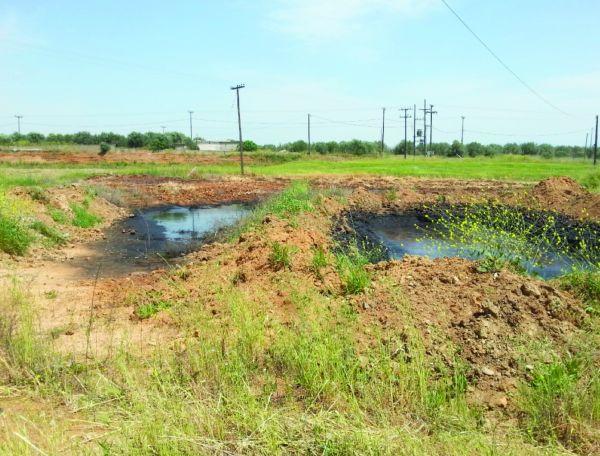 Πλάτανος Αλμυρού: Ξεφόρτωναν απόβλητα από ελαιοτριβείο σε αγρόκτημα