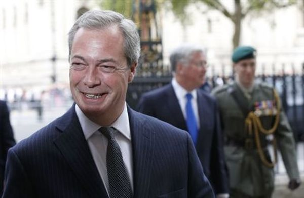 Το UKIP δεν έκανε δεκτή την παραίτηση του ηγέτη του, Νάιτζελ Φάρατζ