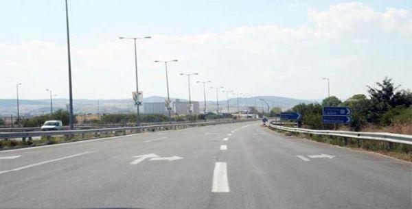 Ενίσχυση σήμανσης στα «σαμαράκια» στο... κυματιστό οδικό τμήμα Βόλου-Βελεστίνου