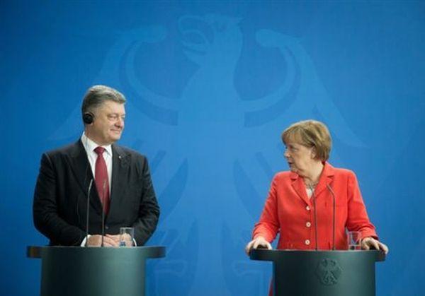 Συνεχείς παραβιάσεις της εκεχειρίας στην Ανατολική Ουκρανία βλέπει η Μέρκελ