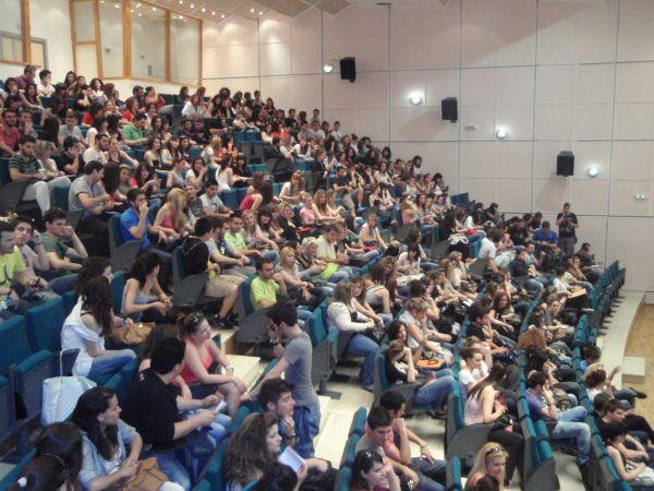 Ερώτηση από Μεϊκόπουλο και Δελημήτρο για την εξεταστική Σεπτεμβρίου