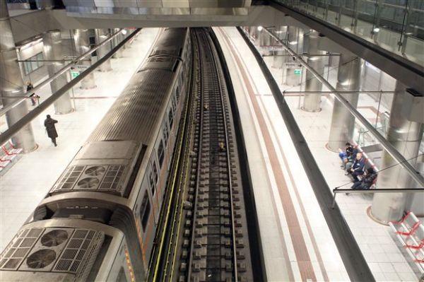 Ανδρας τραυματίστηκε πέφτοντας στις ράγες του μετρό στα Σεπόλια