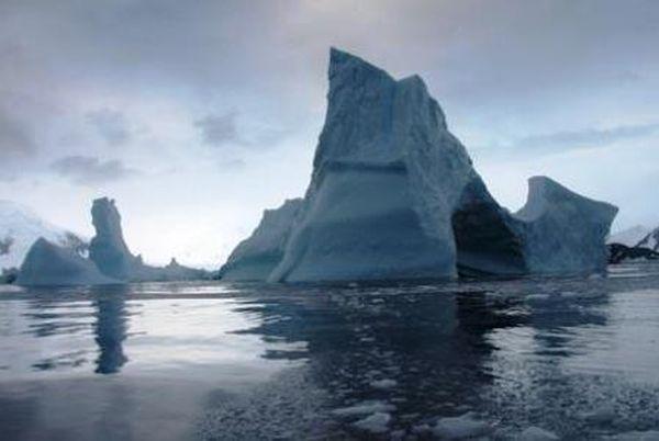 Ανταρκτική: μια πλάκα πάγου σαν τη Λέσβο εξαφανίζεται
