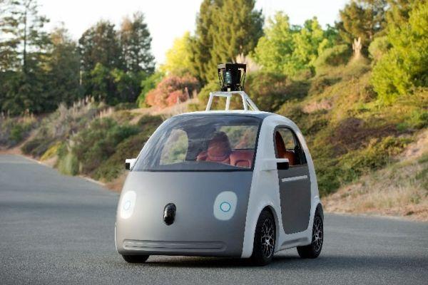 Στην Καλιφόρνια τα πρώτα αυτο-οδηγούμενα οχήματα της Google