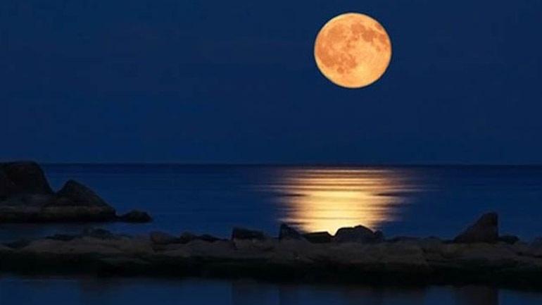 Τι σχέση έχει η σελήνη με την περίοδο μιας γυναίκας;