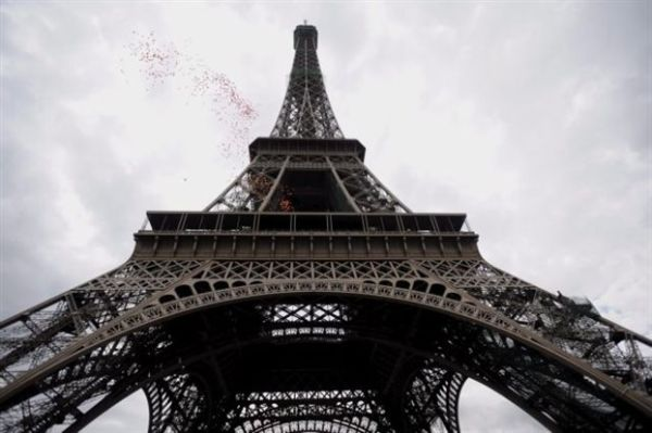 Κλειστός ο Πύργος του Άιφελ λόγω οργής κατά των πορτοφολάδων