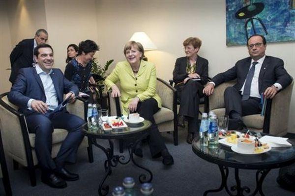 Τηλεδιάσκεψη Τσίπρα με Μέρκελ και Ολάντ για τη διαπραγμάτευση