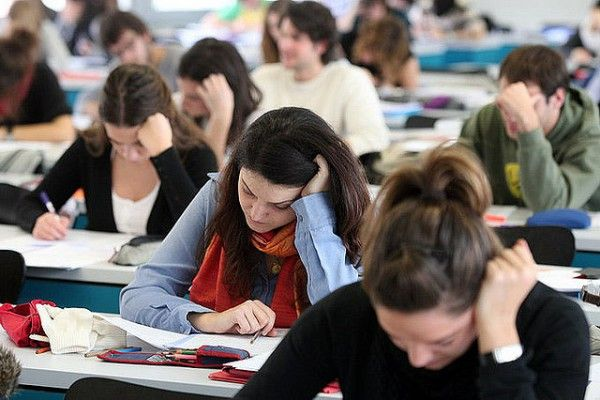 Νέα επεισόδια κρίσης πανικού με μαθητές στις πανελλήνιες