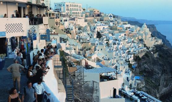 Εννέα ελληνικά νησιά προτείνει η Telegraph για διακοπές